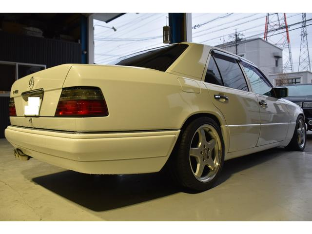 E320 左H 黒革 SR AMG17アルミ ユーザー買取車(13枚目)