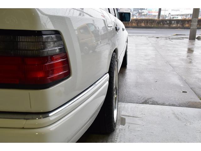 E320 左H 黒革 SR AMG17アルミ ユーザー買取車(20枚目)