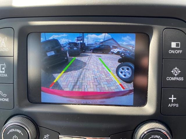 トレイルホーク 認定中古車保証付 整備付 4WD レギュラーガソリン マッド&スノータイヤ装着 クルーズコントロール ETC バックカメラ Bluetooth ルーフレール ブラックアルミ バックソナー HIDヘッド(13枚目)