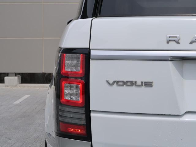 3.0 V6 スーパーチャージド ヴォーグ 認定中古車 禁煙車 アダプティブクルーズ 全席シートヒーター&前席シートクーラー 黒革シート MERIDIANサウンド エアサス 純正20AW スマートキー パワーテールゲート(27枚目)