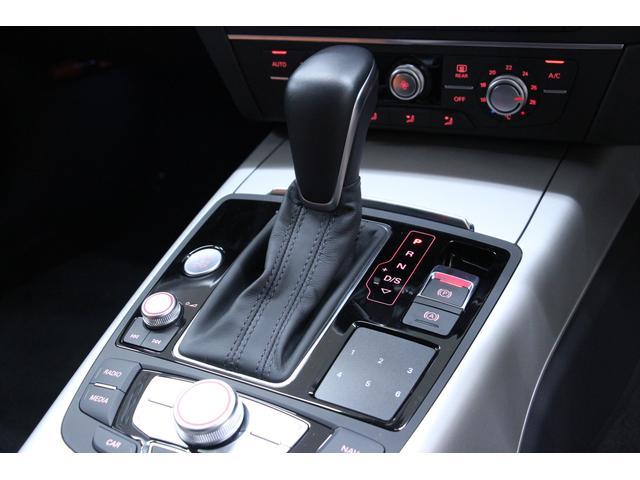 全車速追従機能付ACCを装備しています。交通の流れに合わせて、加速、走行、減速、停止まで自動でコントロールし、高速道路や渋滞などでも、設定した速度と車間距離を自動的にキープします。