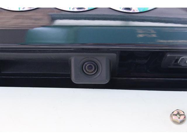 バックカメラも装着しています。 後退時や駐車時等、車内モニターに後方映像を映し出します。
