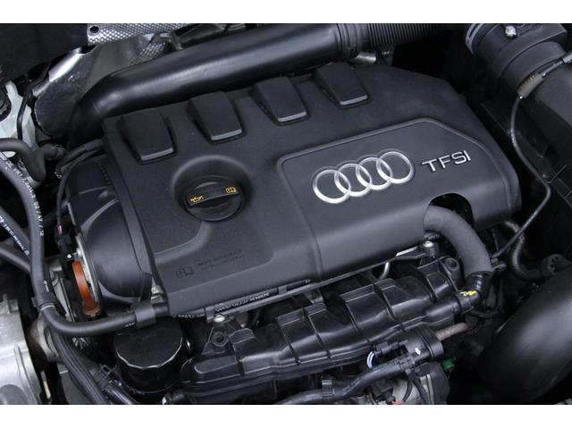 エンジンは2000cc直列4気筒DOHC ICターボ。 211ps(カタログ値)を引き出す、力強いエンジンです。