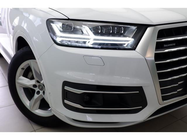 LEDヘッドライト標準装備車です。
