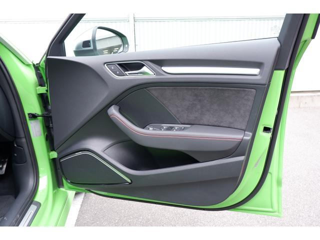 ベースグレード RSデザインパッケージ マトリクスLED マットアルミニウムスタイリングパッケージ 19インチアルミ(21枚目)