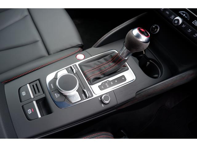 ベースグレード RSデザインパッケージ マトリクスLED マットアルミニウムスタイリングパッケージ 19インチアルミ(29枚目)
