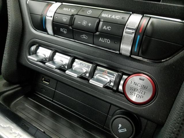 ファーストバック GT UK右ハンドル SYNC3システム(9枚目)