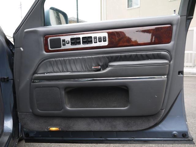 標準仕様車 デュアルEMVパッケージ 後期仕様 本革(18枚目)