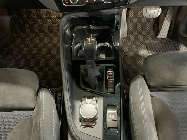 xDrive 18d Mスポーツ 4WD クリーンディーゼル インテリジェントセーフティ PDC LIM LEDヘッドライト 純正アルミホイール 純正HDDナビ ミラー型ETC シートヒーター パワーバックドア バックカメラ ドライブレコーダー ワンオーナー(11枚目)