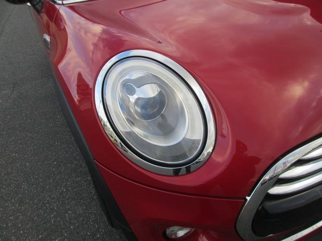 ヘッドライトはLEDライトで遠くまで明るく照らしてくれます。