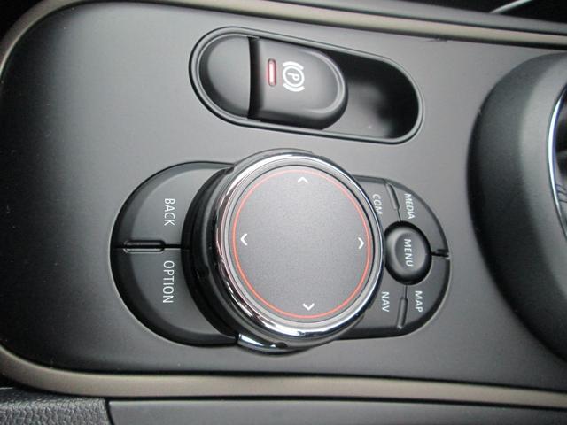クーパーD クロスオーバー LED シートヒーター ペッパーPKG正規認定中古車(17枚目)