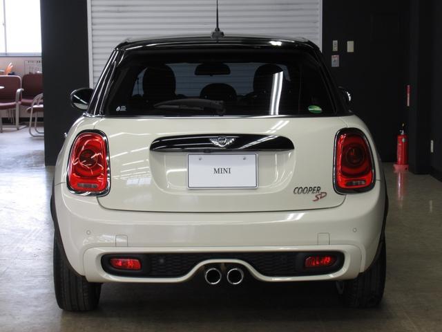 クーパーSD 5ドア マルチファンクション 純正OP17インチ正規認定中古車(11枚目)