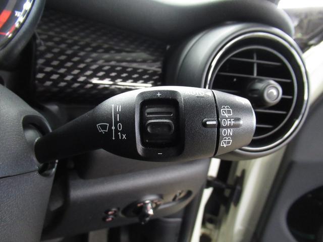 クーパーSD 5ドア マルチファンクション 純正OP17インチ正規認定中古車(28枚目)