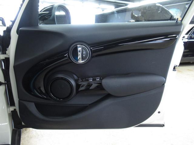 クーパーSD 5ドア マルチファンクション 純正OP17インチ正規認定中古車(41枚目)