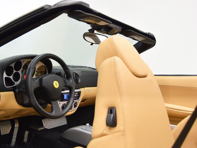 フェラーリ フェラーリ 360 F1スパイダー ブラッククオイオツートンレザーインテリア