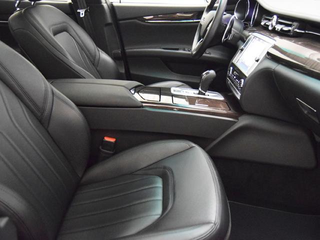 マセラティ マセラティ クアトロポルテ GT S サンルーフ タンガニアウッドインテリア