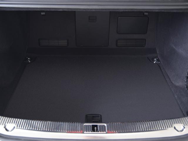 アウディ アウディ S8 プレセンスPKG ナツメグブラウンレザー ナイトビジョン