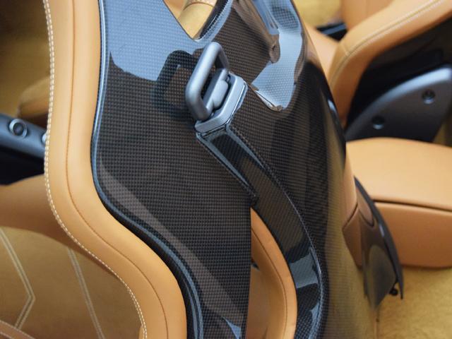 ベースグレード F1 カーボンFスポイラー Rエアダクト(13枚目)
