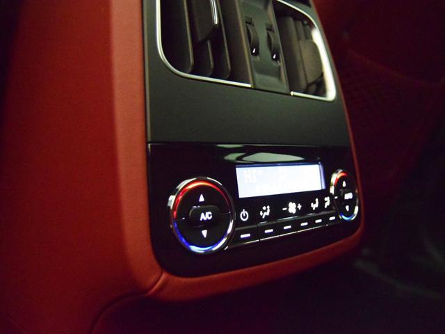 「マセラティ」「レヴァンテ」「SUV・クロカン」「静岡県」の中古車16