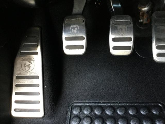 コンペティツィオーネ 左ハンドルマニュアル ユーコネクト 7インチタッチパネル アンドロイドオート アップルカープレイ ETC 認定中古車保証 ロードサービス(56枚目)