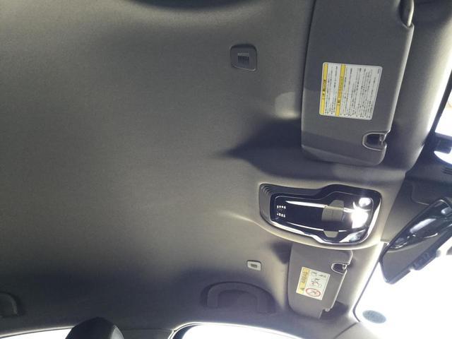 ヴェローチェ 右ハンドルオートマ ユーコネクト アンドロイドオート アップルカープレイ 専用アルミホイル ランフラットタイヤ 認定中古車保証 ロードサービス付(12枚目)