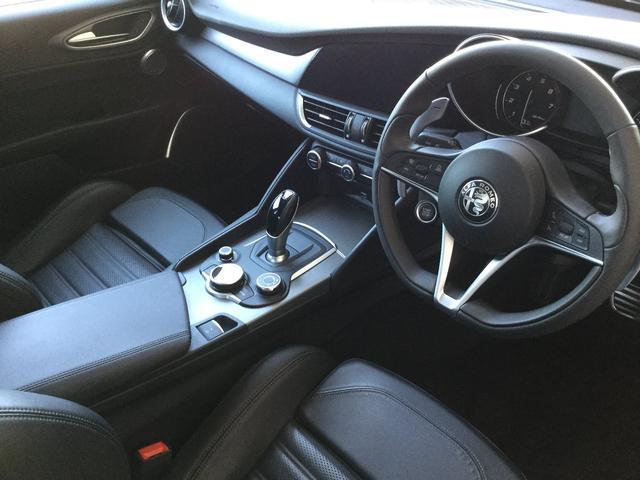 ヴェローチェ 右ハンドルオートマ ユーコネクト アンドロイドオート アップルカープレイ 専用アルミホイル ランフラットタイヤ 認定中古車保証 ロードサービス付(40枚目)