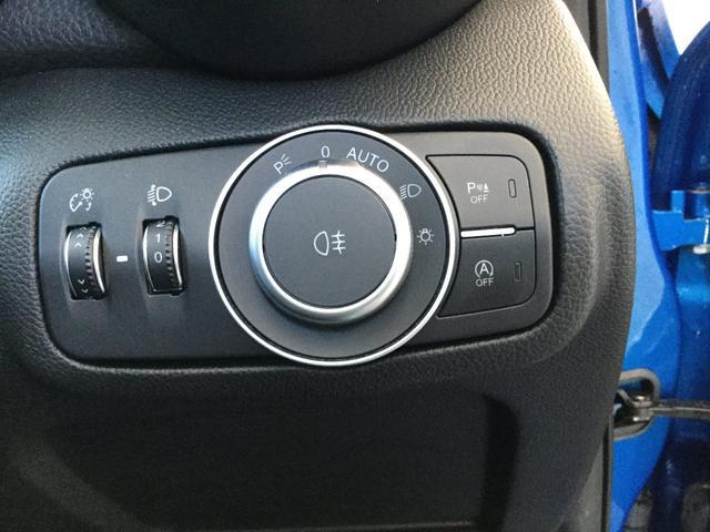 ヴェローチェ 右ハンドルオートマ ユーコネクト アンドロイドオート アップルカープレイ 専用アルミホイル ランフラットタイヤ 認定中古車保証 ロードサービス付(43枚目)