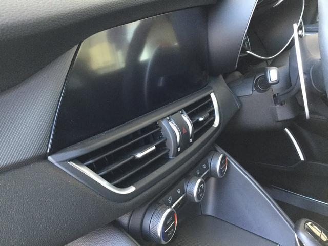 ヴェローチェ 右ハンドルオートマ ユーコネクト アンドロイドオート アップルカープレイ 専用アルミホイル ランフラットタイヤ 認定中古車保証 ロードサービス付(72枚目)