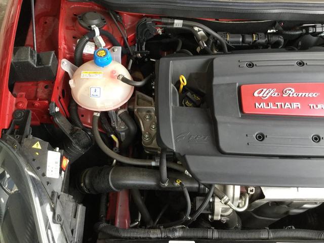 スーパーパックスポーツ キセノンヘッドライト 専用シート パドルシフト 2DINナビ バックカメラ ETC 18インチアロイホイル ブレンボ 認定中古車保証 ロードサービス(31枚目)