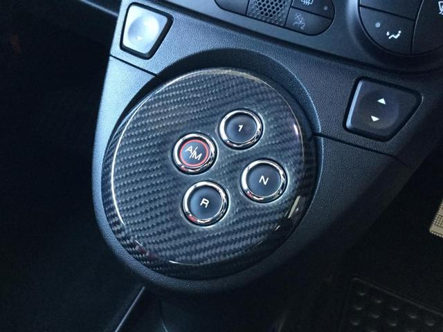 コンペティツィオーネ 右ハンドルオートマ キセノンヘッドライト サベルのシート カーボンシフトパネル ブーストメーター 認定中古車保証 ロードサービス(11枚目)