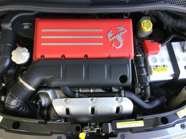 コンペティツィオーネ 右ハンドルオートマ キセノンヘッドライト サベルのシート カーボンシフトパネル ブーストメーター 認定中古車保証 ロードサービス(17枚目)