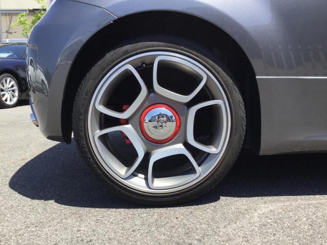 コンペティツィオーネ 右ハンドルオートマ キセノンヘッドライト サベルのシート カーボンシフトパネル ブーストメーター 認定中古車保証 ロードサービス(20枚目)
