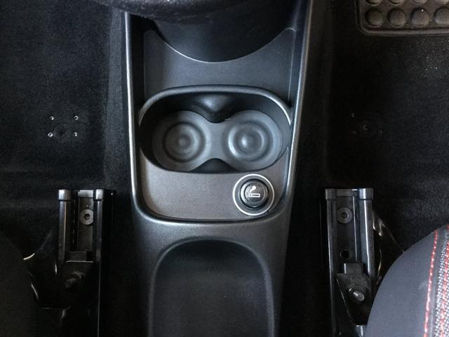 コンペティツィオーネ 右ハンドルオートマ キセノンヘッドライト サベルのシート カーボンシフトパネル ブーストメーター 認定中古車保証 ロードサービス(54枚目)