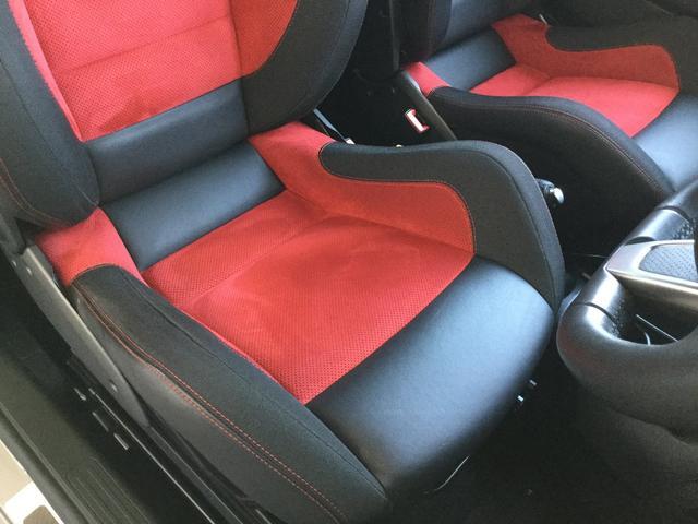 コンペティツィオーネ 右ハンドルオートマ キセノンヘッドライト サベルのシート カーボンシフトパネル ブーストメーター 認定中古車保証 ロードサービス(57枚目)