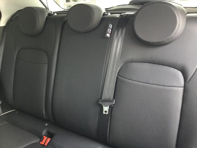 エクストリーム 80台限定車 シネマグラック クロスプラス 18インチアルミホイール ブラックレザーシート 認定中古車保証 ロードサービス付(14枚目)