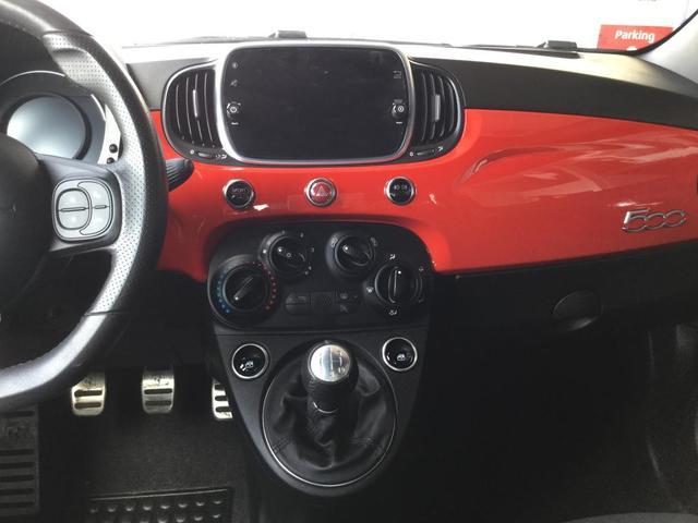 ベースグレード 左ハンドルMT ユーコネクト アンドロイドオート アップルカープレイ ファブリックシート キセノンヘッドライト 認定中古車保証 ロードサービス(15枚目)