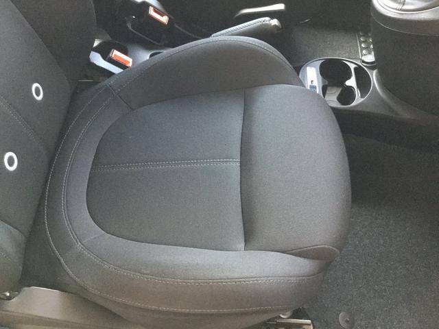ベースグレード 左ハンドルMT ユーコネクト アンドロイドオート アップルカープレイ ファブリックシート キセノンヘッドライト 認定中古車保証 ロードサービス(49枚目)