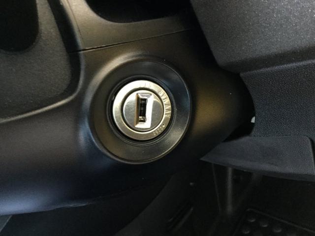 コンペティツィオーネ 右ハンドルマニュアル ユーコネクト アンドロイドオート アップルカープレイ キセノンヘッドライト 認定中古車保証 ロードサービス(40枚目)
