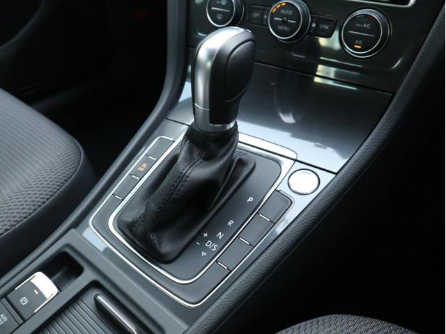 TSIコンフォートライン 認定中古車 1オーナー 禁煙車 純正ナビ Bluetooth バックカメラ ETC USB アダプティブクルーズコントロール レーンアシスト(18枚目)