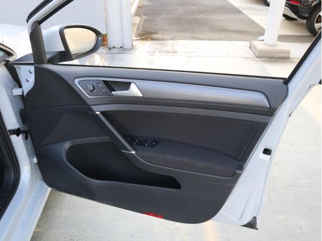 TSIコンフォートライン 認定中古車 1オーナー 禁煙車 純正ナビ Bluetooth バックカメラ ETC USB アダプティブクルーズコントロール レーンアシスト(24枚目)
