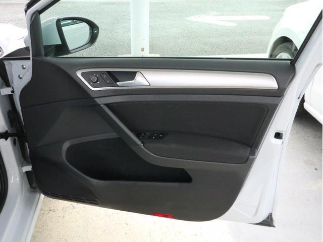 TSIトレンドライン 認定中古車 1オーナー 禁煙車 Bluetooth アダプティブクルーズコントロール ETC CD 衝突被害軽減システム アイドリングストップ(31枚目)