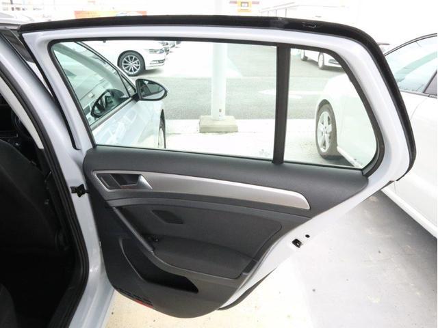 TSIトレンドライン 認定中古車 1オーナー 禁煙車 Bluetooth アダプティブクルーズコントロール ETC CD 衝突被害軽減システム アイドリングストップ(33枚目)