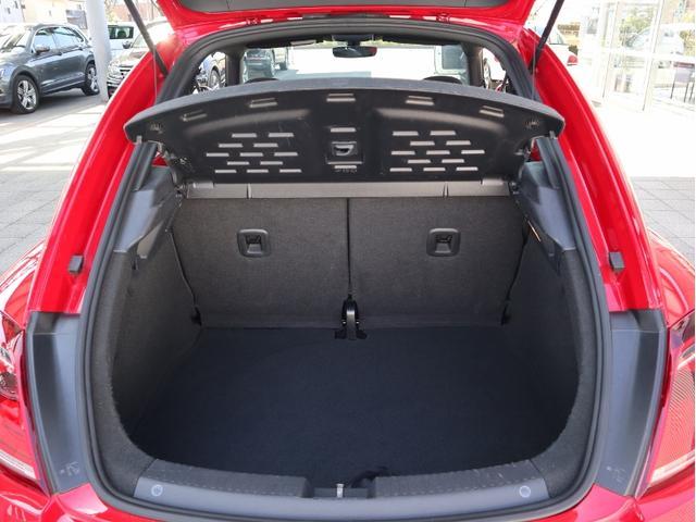 デザイン 認定中古車 1オーナー 禁煙車 純正ナビ Bluetooth ETC USB オートクルーズコントロール HIDヘッドライト スマートキー(19枚目)