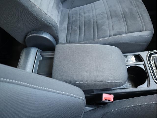 TDI ハイライン 認定中古車 1オーナー 禁煙車 純正ナビ Bluetooth バックカメラ ETC USB アダプティブクルーズコントロール レーンアシスト 3列シート シートヒーター(41枚目)