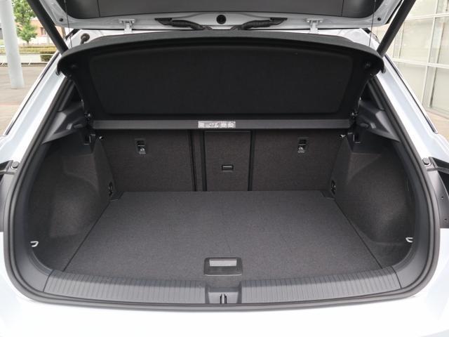 TDI Rライン 認定中古車 1オーナー 禁煙車 デモカー   純正ナビ Bluetooth バックカメラ ETC USB アダプティブクルーズコントロール レーンアシスト クリアランスソナー ルーフレール(22枚目)