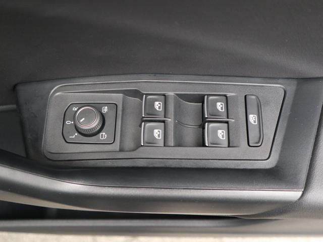 TDI Rライン 認定中古車 1オーナー 禁煙車 デモカー   純正ナビ Bluetooth バックカメラ ETC USB アダプティブクルーズコントロール レーンアシスト クリアランスソナー ルーフレール(29枚目)
