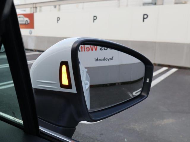 TSI ハイライン 1オーナー禁煙 認定中古車 純正ナビ アラウンドビューカメラ ETC ヘッドアップディスプレイ アダプティブクルーズコントロール レーンアシスト シートヒーター クリアランスソナー 電動リヤゲート付き(55枚目)
