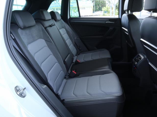 TSI Rライン ブラックスタイル 認定中古車 1オーナー 禁煙車 純正ナビ Bluetooth ETC USB アラウンドビューカメラ アダプティブクルーズコントロール シートヒーター ルーフレール レーンアシスト(13枚目)