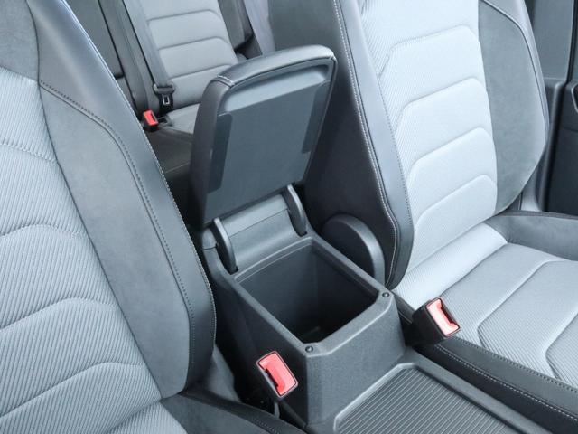 TSI Rライン ブラックスタイル 認定中古車 1オーナー 禁煙車 純正ナビ Bluetooth ETC USB アラウンドビューカメラ アダプティブクルーズコントロール シートヒーター ルーフレール レーンアシスト(40枚目)