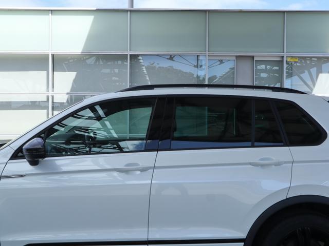 TSI Rライン ブラックスタイル 認定中古車 1オーナー 禁煙車 純正ナビ Bluetooth ETC USB アラウンドビューカメラ アダプティブクルーズコントロール シートヒーター ルーフレール レーンアシスト(61枚目)